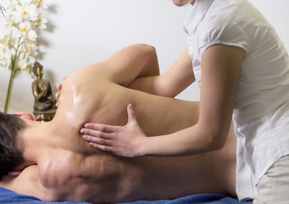 What is the difference between physiotherapy and osteopathy?